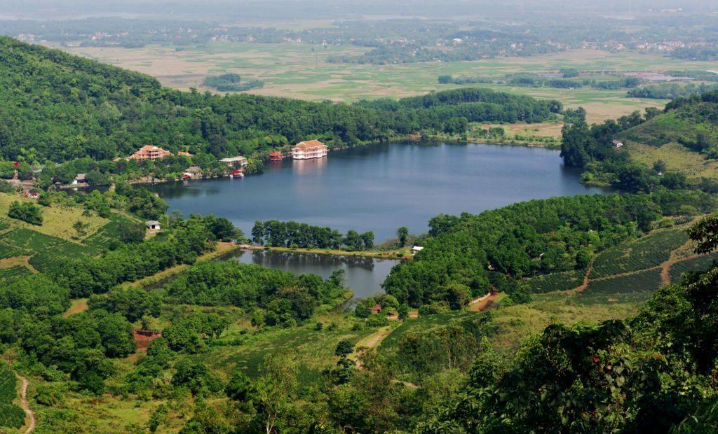 Phong cảnh Vườn Quốc gia Ba Vì nhìn từ trên cao