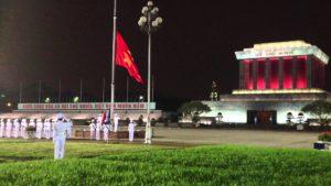 Lễ hạ cờ tại Lăng Chủ tịch Hồ Chí Minh