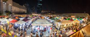 Tự do dạo chơi chợ đêm Hạ Long