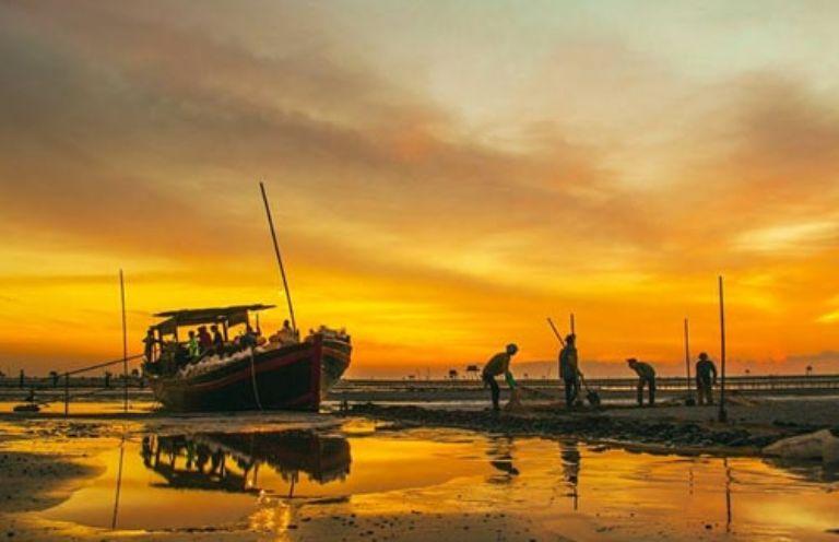 Các hoạt động vui chơi ở biển Đồng Châu