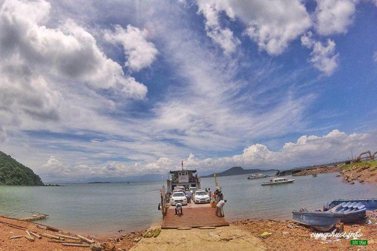 cảng Ghềnh Võ (xã Quảng Điền, Hải Hà)