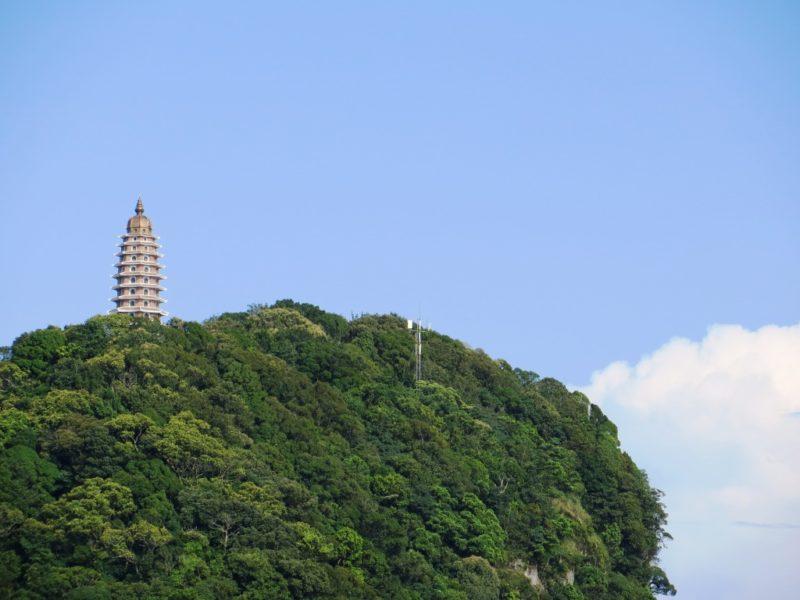 Tháp Báo Thiên nhìn từ xa