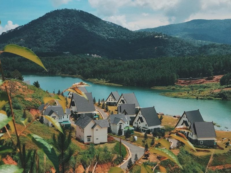 Dalat Wonder Resort ben ngoai