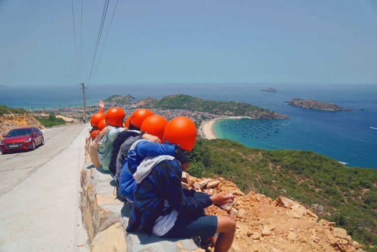 Du lịch khám phá miền biển đẹp nhất Việt Nam