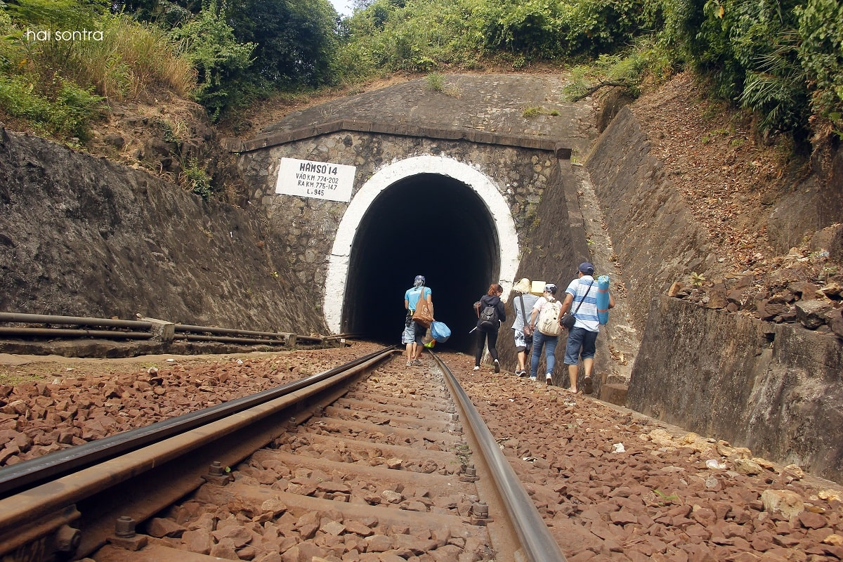 đường đến Làng Vân