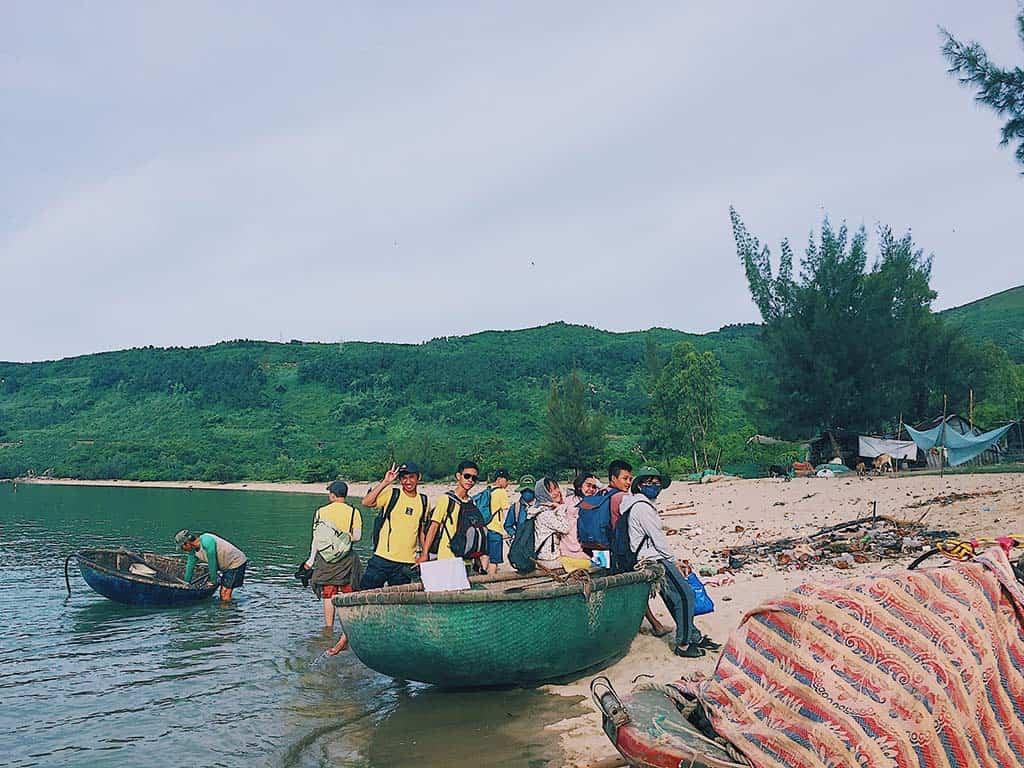 chèo thuyền ở làng vân