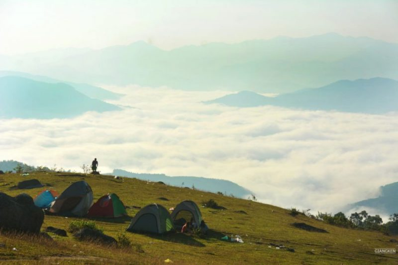 Đi săn mây khi du lịch ở vùng Đồng Cao Bắc Giang