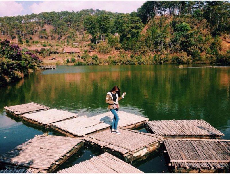 hồ ở làng cù lần