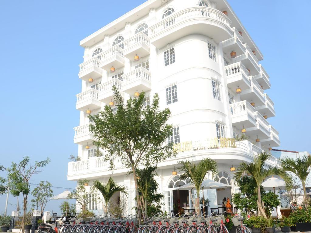 Golden Sunset Hotel cũng là một khách sạn gần khu phố cổ Hội An được biết đến nhiều