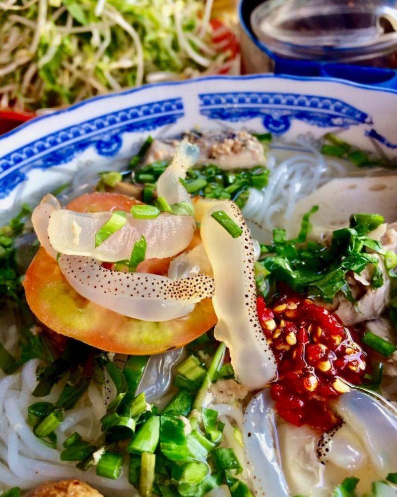 bún sứa ăn sáng tại Vũng Tàu