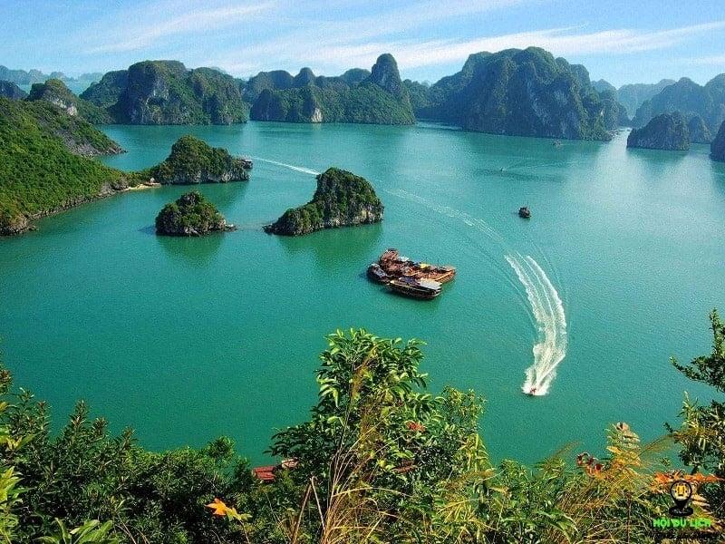 Đảo Cát Bà thu hút với vẻ đẹp hoang sơ của thiên nhiên thuần túy