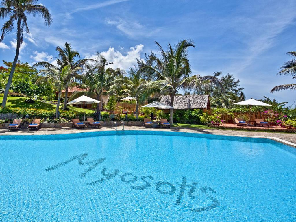 Hồ bơi ngoài trời cực sang trọng tại Takalau Residence & Resort