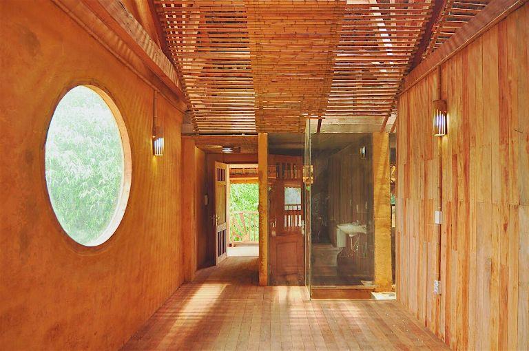 Dao Lodge Homestay được đặt ở giữa bản của người Dao nên đến đây ngoài cảnh sắc thiên nhiên bạn còn được mở rộng nhiều hơn về nét văn hóa độc đáo của dân tộc này.