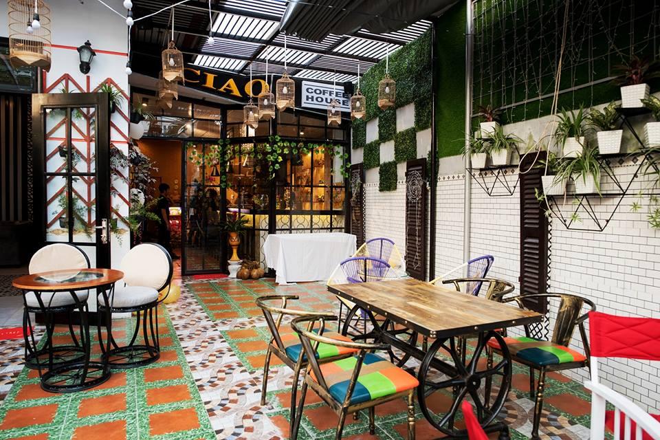 Không gian của Ciao Coffee giao hòa giữa thiên nhiên và nét hiện đại