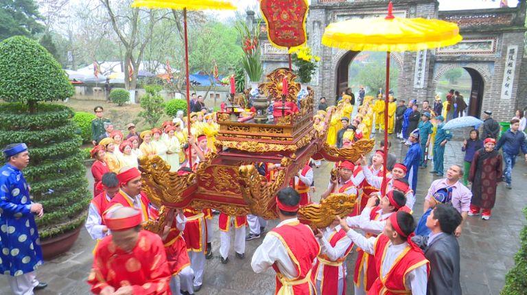 Lễ hội ở thành Cổ Loa