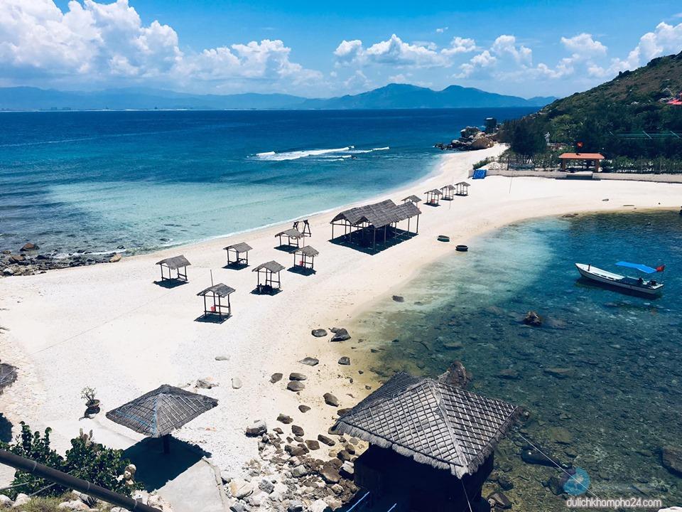 Bãi biển trên đảo Yến – Hòn Nội bãi biển Nha Trang