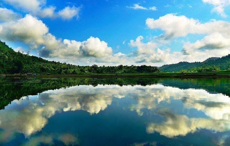 Cảnh sắc hồ Noong mùa nước dâng