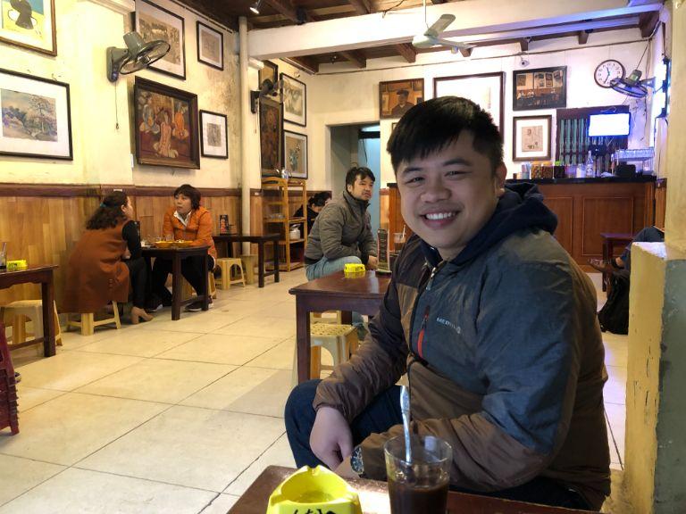 Bên trong cafe Lâm