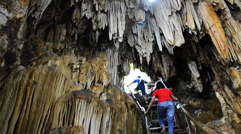 Những hang động kỳ bí ở Sapa Ngũ Động Bản Ôn