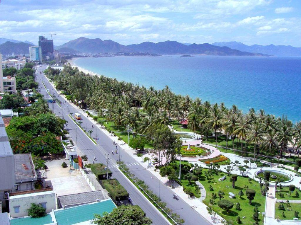 Bãi tắm đường Trần Phú