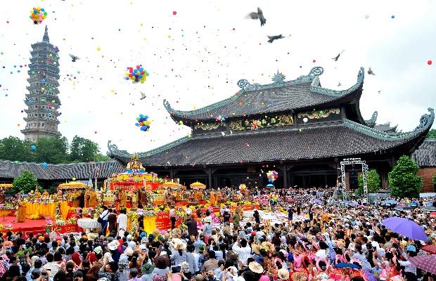 Lễ hội đầu xuân chùa Tam Chúc