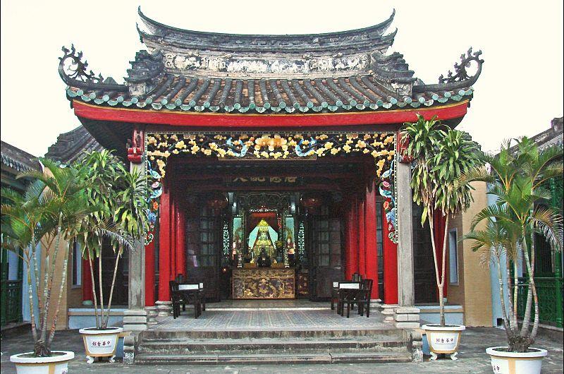 Một trong những điện thờ của Hội quán Trung Hoa - Hội An