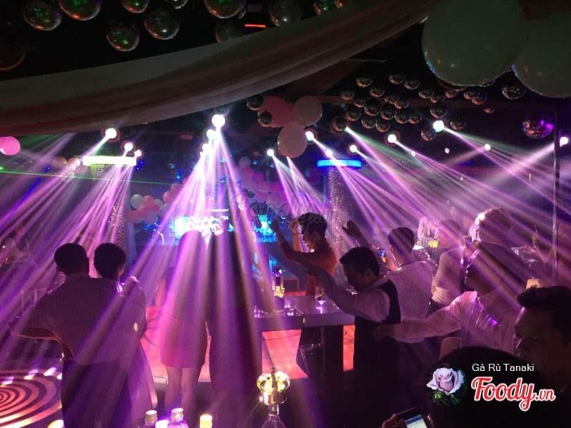 V - Club Bar Đà Lạt
