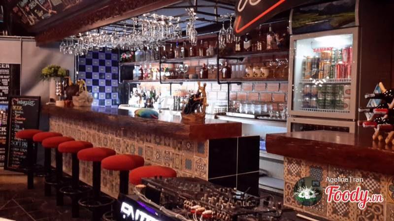 Veronica Sky Bar