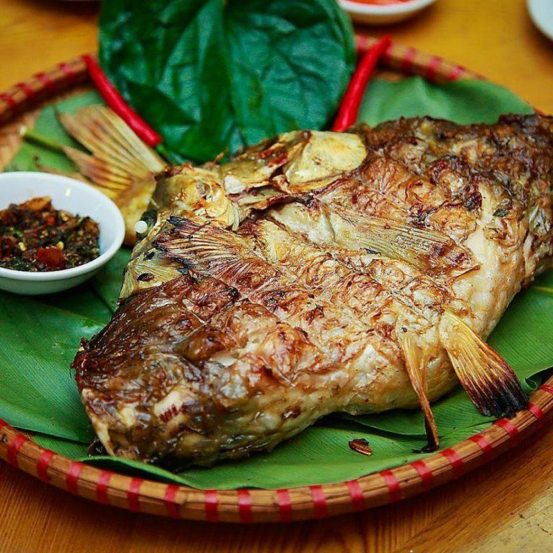 Món cá nướng sông Đà