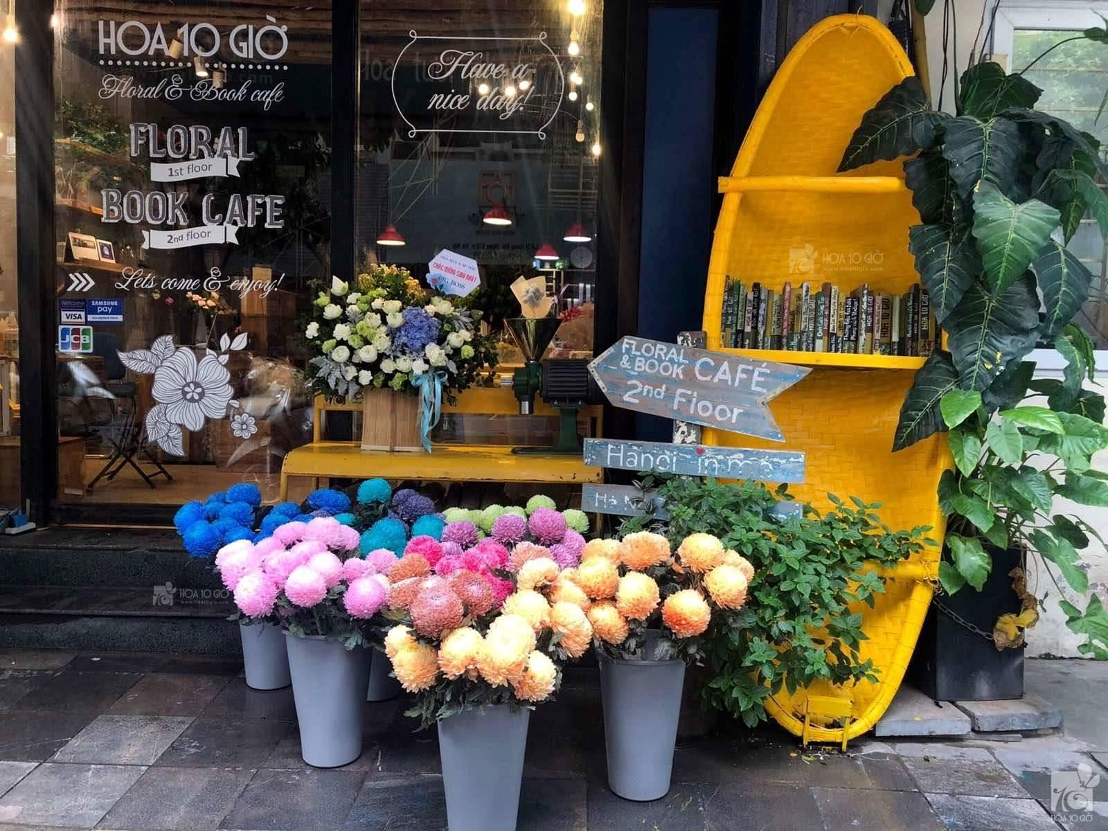 Hoa 10 Giờ – Floral & Book Cafe