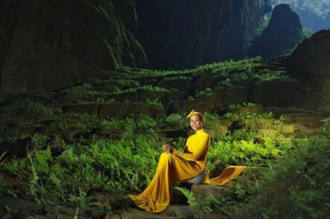 Hoa hậu H'Hen Niê và một kiệt tác nghệ thuật trong hang Sơn Đoòng