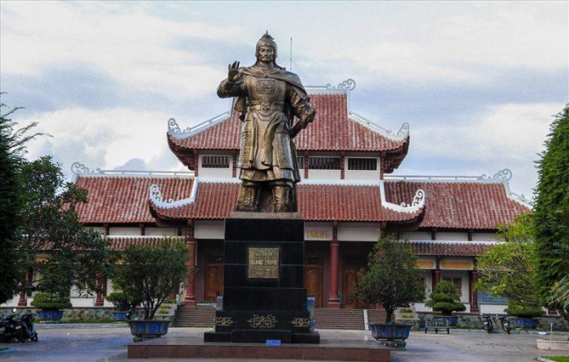 điện thờ Tây Sơn