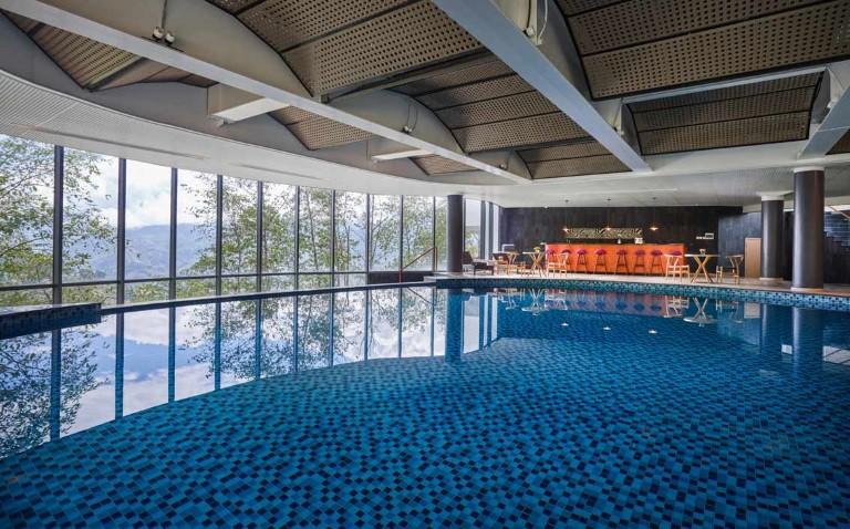 Hồ bơi khách sạn Pao's Sapa