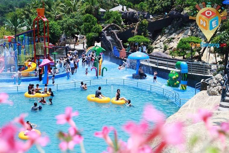 công viên suối khoáng Thần Tài