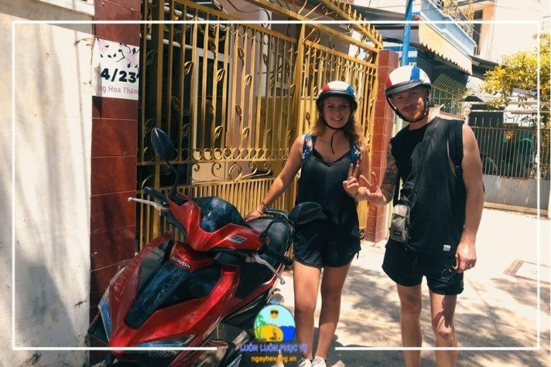 Thuê xe máy mùa hè vàng