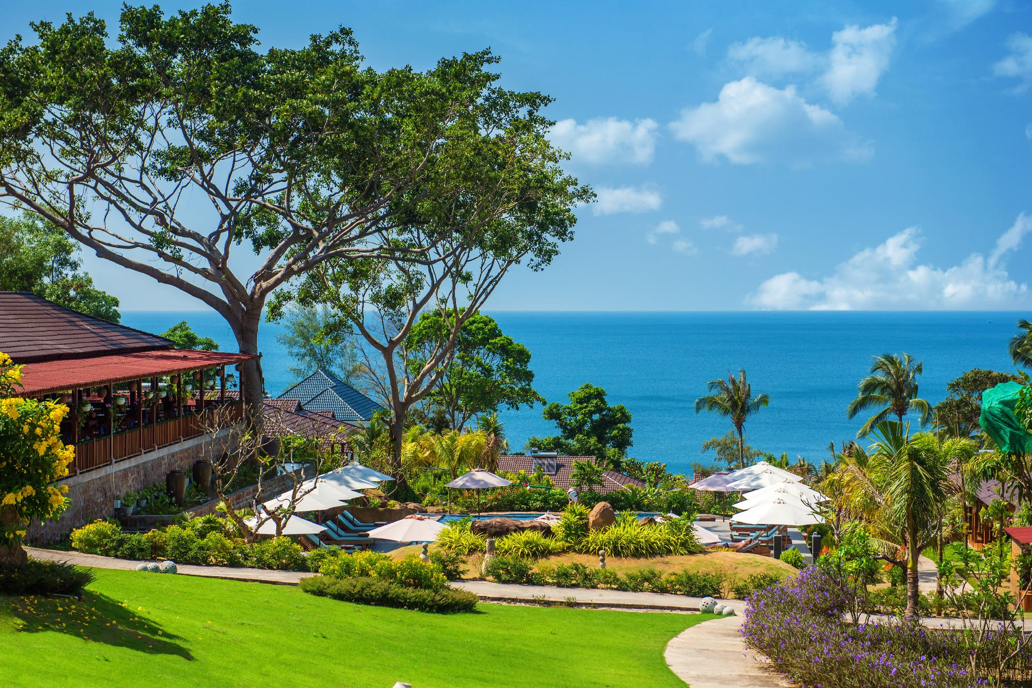 Khung cảnh nên thơ của Camia Resort