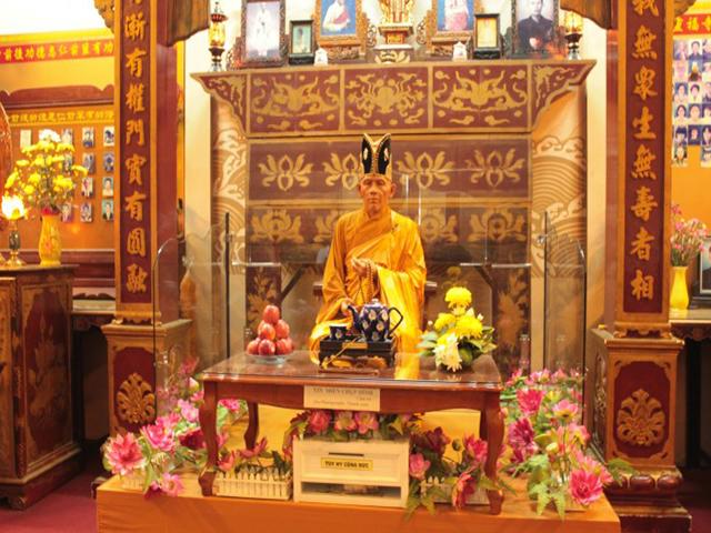 Khu tượng sáp chùa