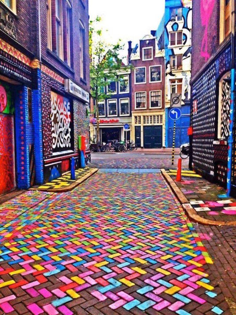 khu phố Amsterdam tại Netherlands phiên bản sắc màu.
