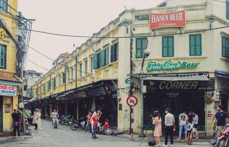 Phố tạ Hiện vào những ngày vắng vẻ   Khu vui chơi ở Hà Nội