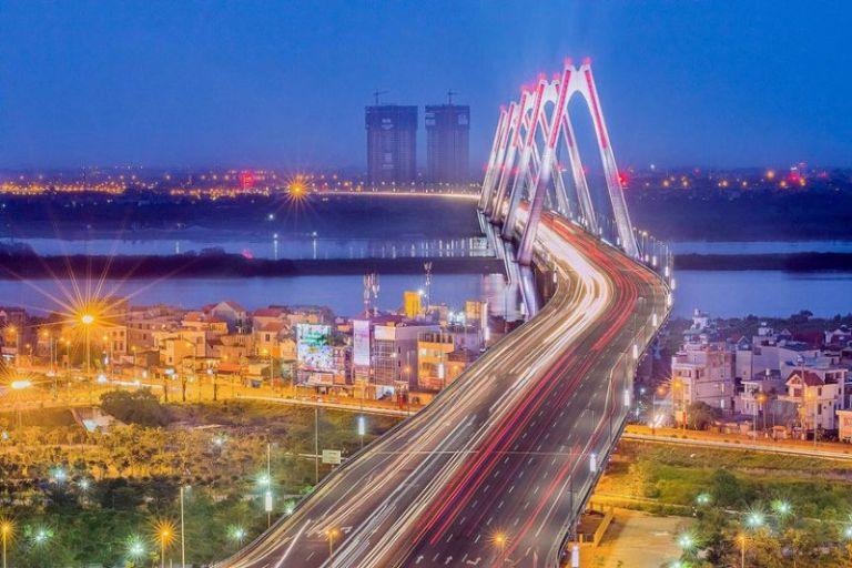 Phượt đêm ở cầu Nhật Tân