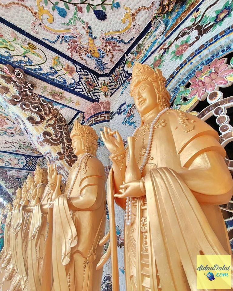 Tượng phật chùa Linh Phước