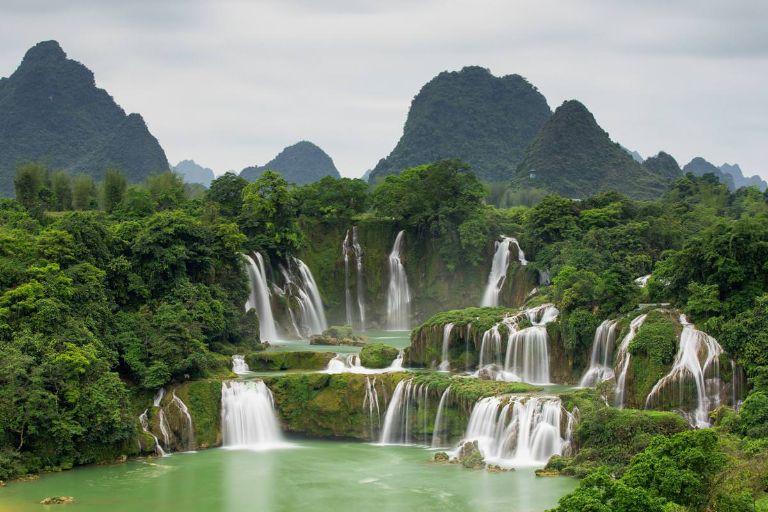 Thác nước ở Cao Bằng