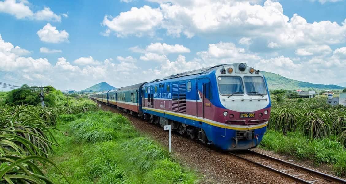 tàu du lịch Sài Gòn - Phan Thiết