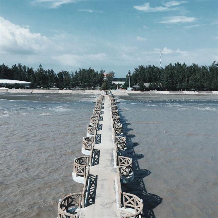 Cầu Nam Hải tại Khu du lịch sinh thái biển Phương Nam