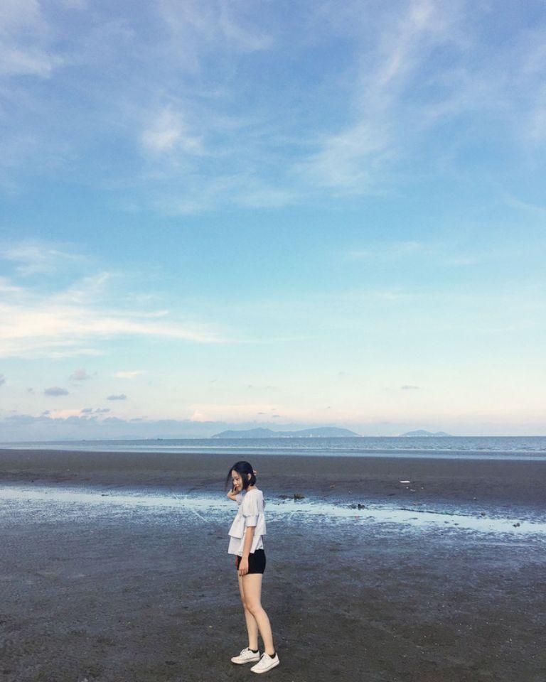 Dải cát đen của biển Cần Giờ
