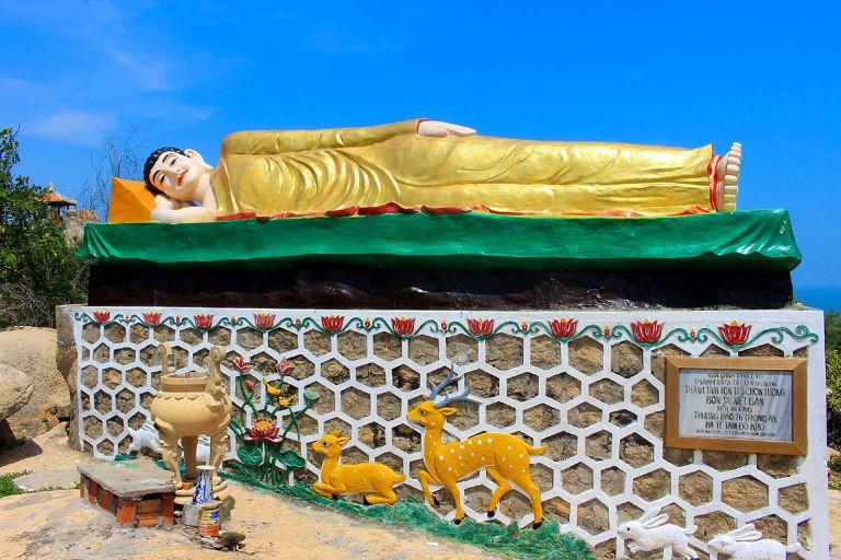 tượng Phật Thích Ca Mâu Ni miết bàn
