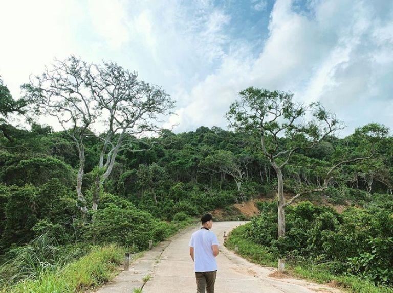 Những con đường trên biển đảo Thổ Chu