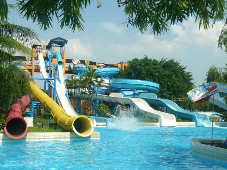 Công viên nước Hồ Tây - Khu vui chơi ở Hà Nội