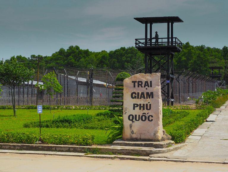 Nhà tù Phú Quốc cách chợ Dương Đông 30km