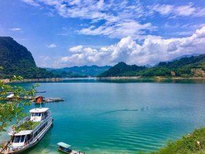Chèo thuyền khám phá hồ Thung Nai